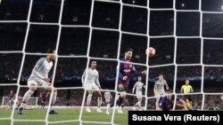 тимот на Барселона против екипата на Ливерпул, архивска снимка