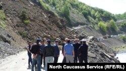 Обвал горных пород на автодорогу в Дагестане (архивное фото)