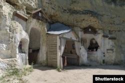 Бакотський скельно-печерний монастир