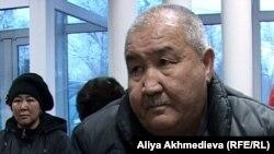 Ахат Узакбаев, активист общества инвалидов города Талдыкоргана. Талдыкорган, 10 января 2012 года.