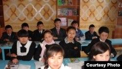 Ўзбекистондаги айрим мактабларда шартнома асосида билим бериш шакли жорий этилган.