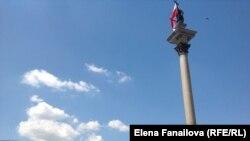 Польша көчөлөрүндөгү монументтердин бири