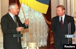Президент України Леонід Кучма (праворуч) і прем'єр-міністр Ізраїлю Біньямін Нетаньягу. Київ, 21 березня 1999 року
