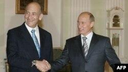 نخست وزیر اسراییل در دیدار با رییس جمهوری روسیه گفت: تحریم هم جانبه جامعه بین المللی علیه ایران می تواند می تواند برنامه هسته ای جمهوری اسلامی را متوقف کند.
