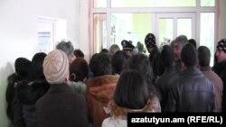 ՏԻՄ ընտրությունները Սյունիքի մարզի Շինուհայր գյուղի ընտրատեղամասում: 14-ը փետրվարի, 2016 թ․