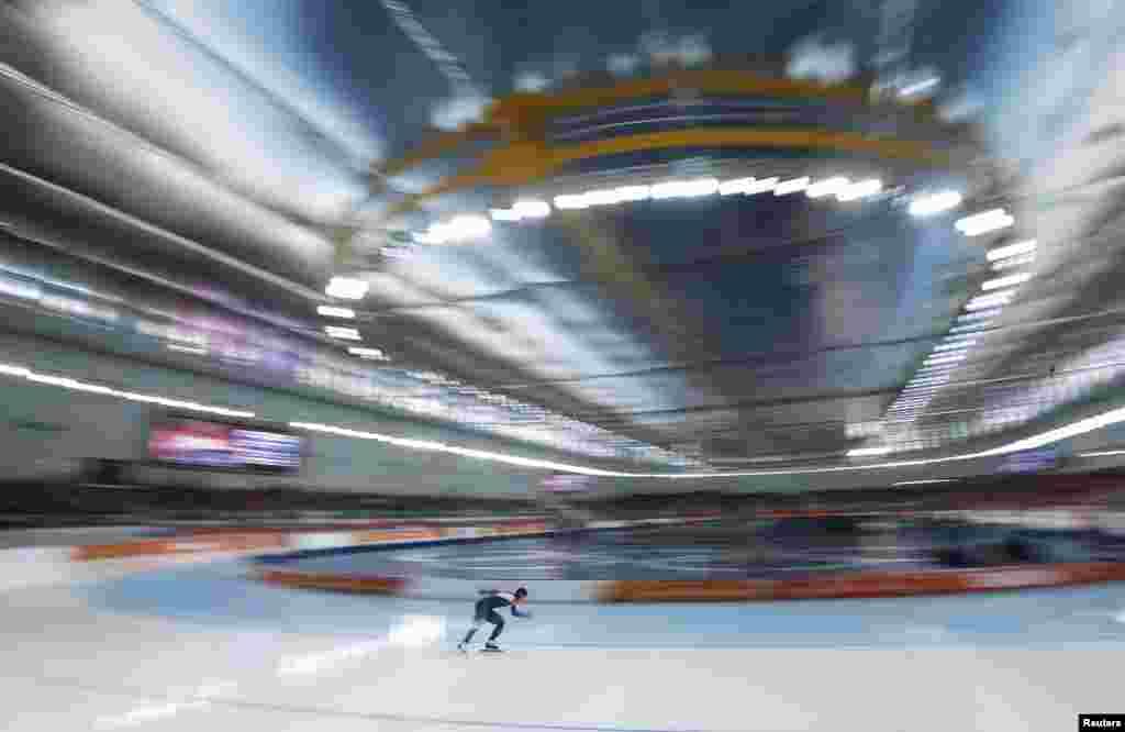 Лін Сан Хва з Південної Кореї під час 500-метрової гонки на ковзанах. Вона завоювала золоту медаль