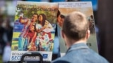 Видання «Свідків Єгови» в центрі Києва, ілюстративне фото