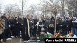 Pomen Oliveru Ivanoviću na Novom groblju u Beogradu