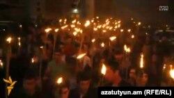 Факельное шествие в Ереване по случаю дня памяти жертв геноцида