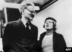 Лев Троцький із дружиною Наталією Сєдовою, Мексика, 1937 рік