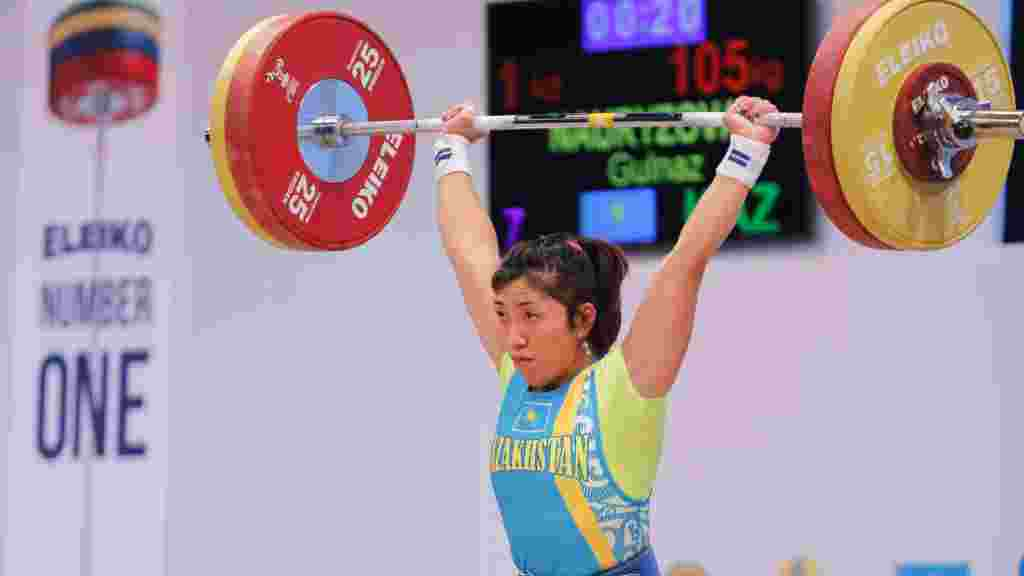 Гульназ Наурызова (63 кг) заняла на чемпионате 26-е место. Алматы, 12 ноября 2014 года.