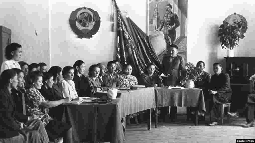 Педсовет в средней школе. Советский Казахстан, 1945–1950 годы.