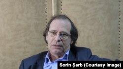 """Alexandru Florian, directorul Institutului """"Elie Wiesel"""", spune că nimeni nu poate garanta că antisemitismul din România nu ar putea deveni """"manifest"""", deși nu există manifestări antisemite violente"""