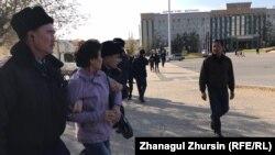 Задержания на пересечении проспектов Абулхаир-хана и Абая в Актобе. 26 октября 2019 года.