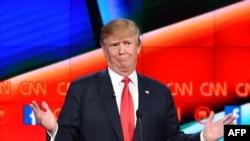 Перадвыбарчыя дэбаты з удзелам Дональда Трампа на тэлеканале CNN, сьнежань 2015 году (архіўнае фота).