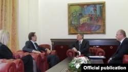 Од средбата Иванов-Петерле