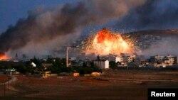 Кобани во время авиаударов. Сирия, 20 октября 2014 года.