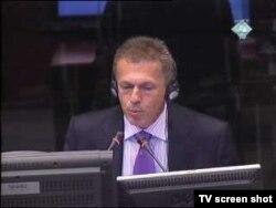 Svjedok Mevludin Sejmenović u sudnici, 27. listopad 2011.