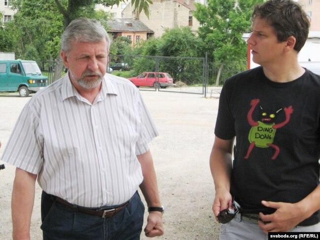 Аляксандар Мілінкевіч і Павал Мажэйка. 2010 год.