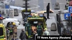 На месте террористического нападения (Стокгольм, 7 апреля 2017 г.)