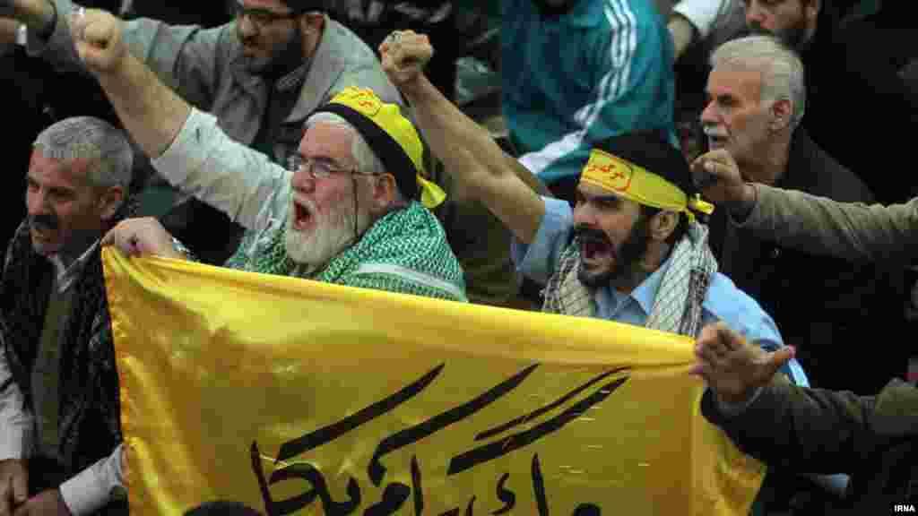 نماز جمعه تهران؛ نماز جمعه این هفته تهران، اینبار هم با حضور برخی چهرههای همیشه در صحنه برگزار شد.