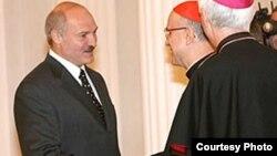 Тарчызыё Бэртонэ сустракаецца з Аляксандрам Лукашэнкам, 2008 год
