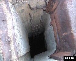 Бұрынғы Семей ядролық сынақ полигоны аумағындағы бункер. Шығыс Қазақстан облысы, 22 тамыз 2009 жыл.