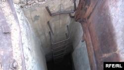 Вход в бункер на территории бывшего Семипалатинского ядерного полигона