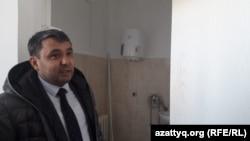 Теректі ауданындағы №2 аурухананың бас дәрігері Бекзат Кубаев. Батыс Қазақстан облысы, 11 наурыз 2020 жыл.