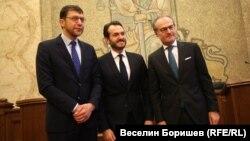 Йонко Грозев, Робърт Спано и Лозан Панов по време на конференцията в Съдебната палата
