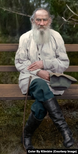 Russian author Leo Tolstoy doffs his floppy hat for a portrait in 1903.