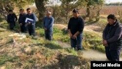 Zoyir Mirzayev bosh vazir muovini lavozimida ishlab turgan paytida Oqqo'rg'on tumanida 6 kishini ariqdagi suvga tushirib, tahqirlagan edi.