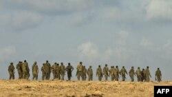 Израильские солдаты стягиваются к границе Израиля и Сектора Газа. 18 ноября 2012 года.