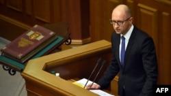 Ուկրաինա - Վարչապետ Արսենի Յացենյուկը ելույթ է ունենում նորընտիր խորհրդարանի առաջին նստաշրջանում, Կիև, 27-ը նոյեմբերի, 2014թ.