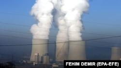 Najveći zagađivači su i dalje termoelektrane (na fotografiji Termoelektrana Tuzla)