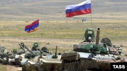 Joint exercises by Russian and Armenian forces, Bagramian firing range, 9 August 2002