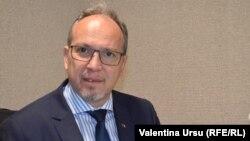 Ambasadorul Daniel Ioniță în studioul Europei Liberă