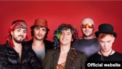 """Участники Международного фестиваля """"КвирФест 2011"""". Фото с официального сайта."""