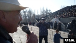 Opposition leaders address the demonstrators in Talas