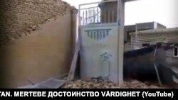 Разрушенное ураганом строение в восточной части Туркменистана.