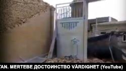 27 апреля в городе Туркменабаде, нескольких районах Лебапской области, а также Мары сильный шторм разрушил и затопил здания, повредил инфраструктуру и связь.