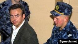 Юры Бандажэўскі пасьля суду ў 2001 годзе
