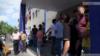 Граждане собрались перед отделением полиции Нор Норка, Ереван, 23 июня 2015 г.