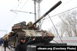 Танк Т-55АМВ, который, как говорят организаторы выставки, попал в Сирию из Грузии – притом что Грузия никогда не обладала этой модификацией Т-55