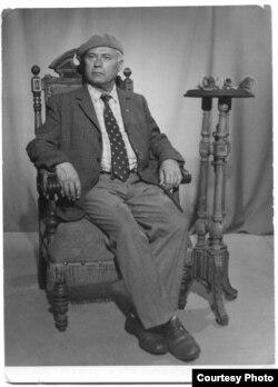 Яўген Ціхановіч на адпачынку ў Паланзе. 1982 г.