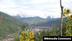 Pogled na Thimphu, glavni grad Butana