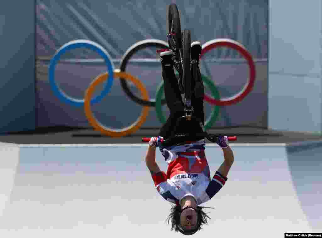 Tokióban a női szabadstílusú BMX kategóriában olimpiai bajnok lettCharlotte Worthington.