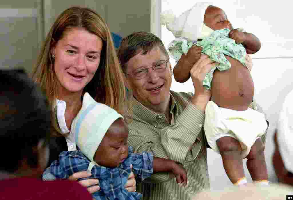 САД - Ко-основачот на Мајкрософт и филантроп Бил Гејтс оцени дека светот ќе се врати во нормала до крајот на 2022 година со помош на вакцини против КОВИД-19.