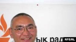 Ержан Жұмағали Азаттық радиосының Алматыдағы бюросында. 10 шілде 2009 жыл.