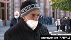 Бывший член Конституционного суда Армении Ким Балаян, Ереван, 24 ноября 2020 г.